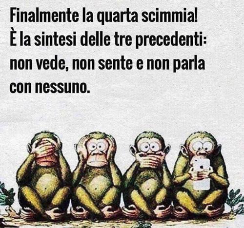Tre scimmiette con lo smartphone